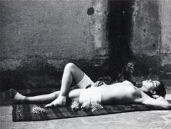 La buena fama durmiendo - Manuel Álvarez Bravo, s.c. © Colette Urbajtel