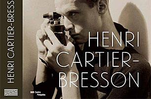 Plakat Ausstellung Henri cartier-bresson Centre Pompidou © 2013. Digital image, The Museum of Modern Art, New York / Scala, Florence